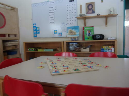 Bärengruppe - Spieltisch und -schrank (1)