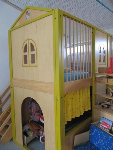 Seesterngruppe-Spielhaus-mit-Kuschel-und-Puppenecke